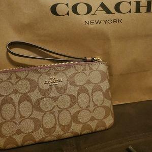 Coach wristlet large